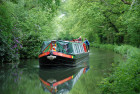 Barge_on_Basingstoke_Canal
